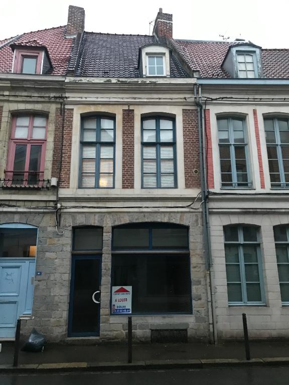 local commercial dans le vieux Douai